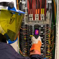 FLIR Introduces the TG267 Thermal Camera for Electrical Professionals